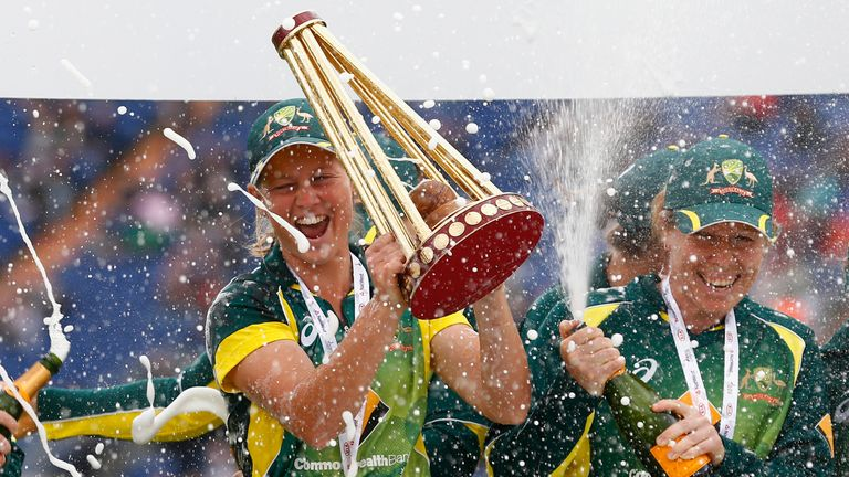 Australia won the 2015 Women's Ashes by 10 points to six