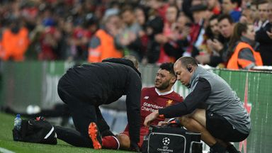 fifa live scores - Liverpool's Alex Oxlade-Chamberlain stretchered off against Roma