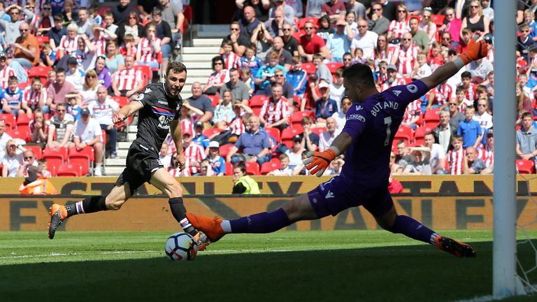 James McArthur equalises for Crystal Palace