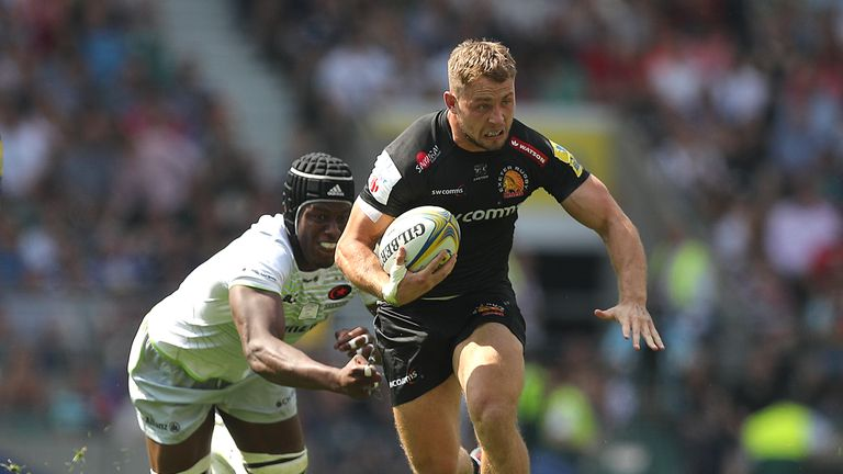 Exeter Chiefs' Sam Hill escapes the clutches of Saracens' Maro Itoje