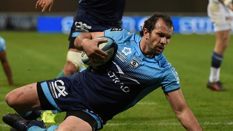 Bismarck du Plessis is available for selection for Saturday's Top 14 decider