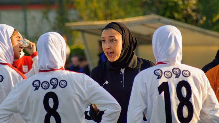 Katayoun Khosrowyar coaches Iran's U19 women's team
