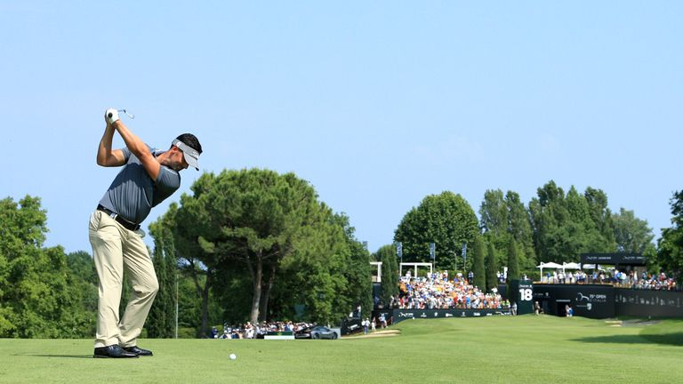 Lee Slattery's superb 62 lifted him into the outright lead