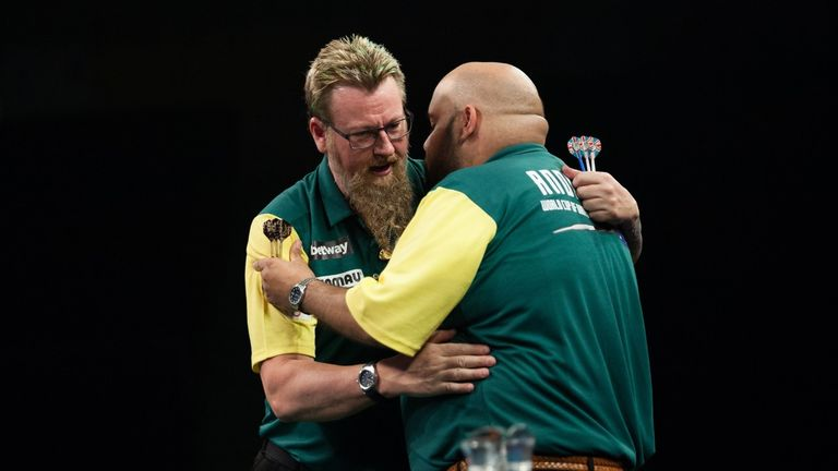 Whitlock and Anderson eased to victory over Hong Kong