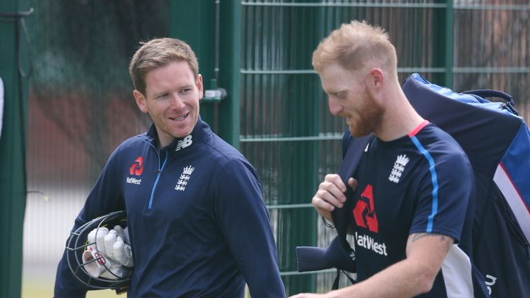 Eoin Morgan chats with Ben Stokes