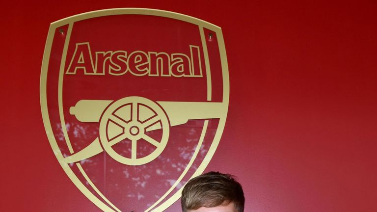 Arsenal's Emile Smith Rowe signs new long-term contract