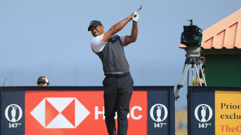 Tiger briefly leads British Open, falls just short with 71