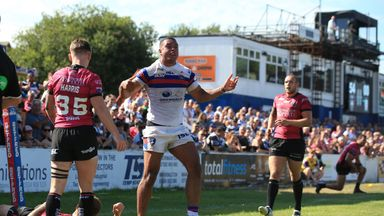 Reece Lyne scored two of Wakefield's 12 tries against Hull FC