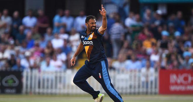 T20 Blast: Lancashire beat winless Derbyshire by 12 runs