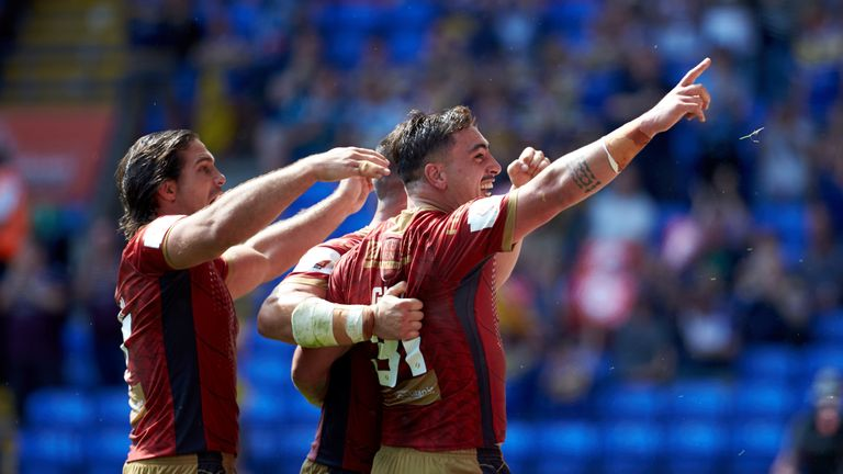 The Dragons upset St Helens to book a place in the final