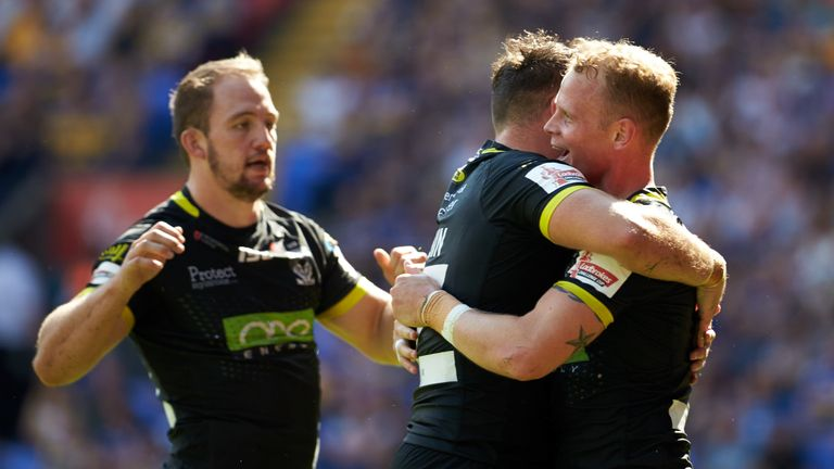 Warrington thrashed Leeds to secure their Wembley place