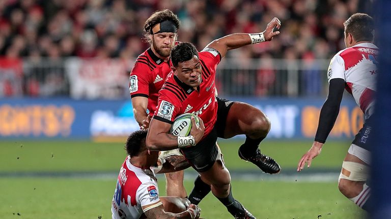 Seta Tamanivalu on the way to scoring for the Crusaders