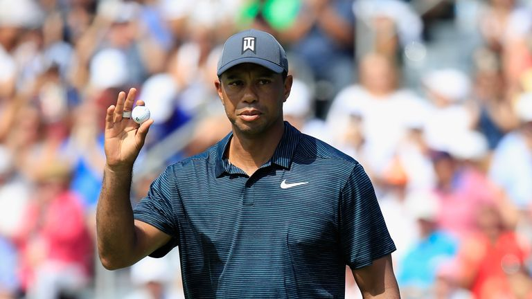 Tiger Woods changed shirts after a poor start