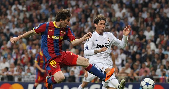 Messi pokes home the opening goal from Afellay's excellent cross