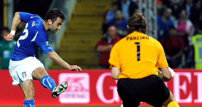 Rossi: Is a doubt for Italy's Euro 2012 qualifier against Serbia due to a knee injury