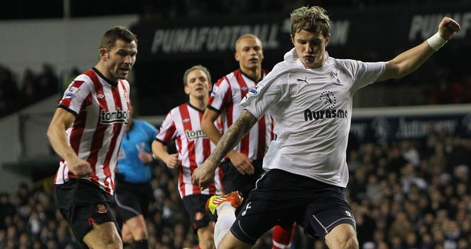 Roman Pavlyuchenko: Spurs striker has been retained for an extra year