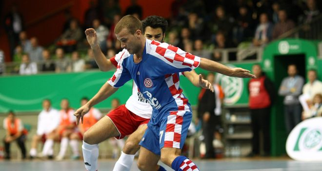 Futsal: improves technical prowess