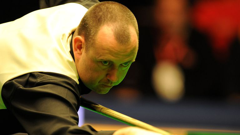 Mark Williams: Welshman back to winning ways in Rotterdam