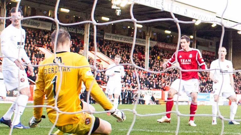 Scott Vernon: Puts Aberdeen ahead at Pittodrie