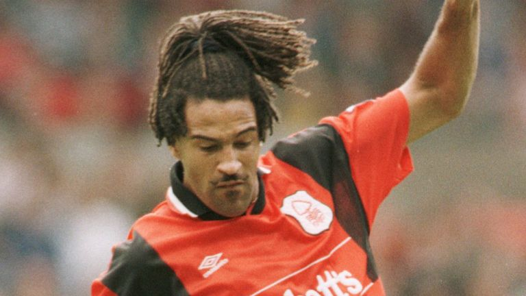 Lee played in the Premier League for Nottingham Forest between 1994 and 1997