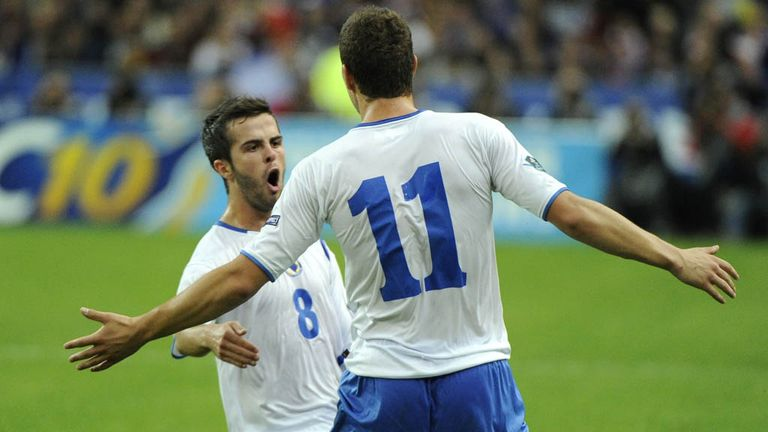 Miralem Pjanic: Edin Dzeko would welcome Bosnia team-mate with open arms
