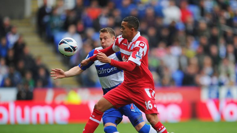 Jermaine Jenas: QPR man closed down by Reading's Chris Gunter