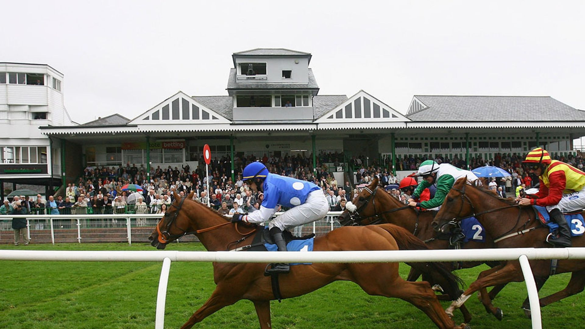 Catterick meeting snowed off; further inspections