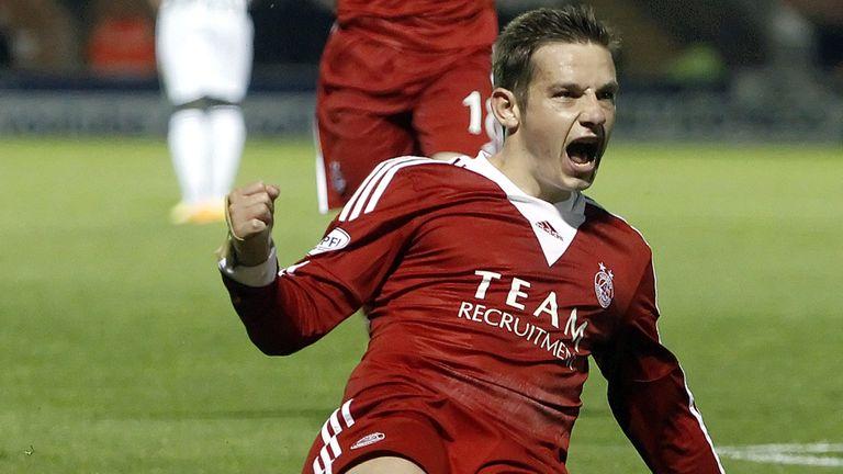 Peter Pawlett: Late equaliser for Aberdeen at St Mirren