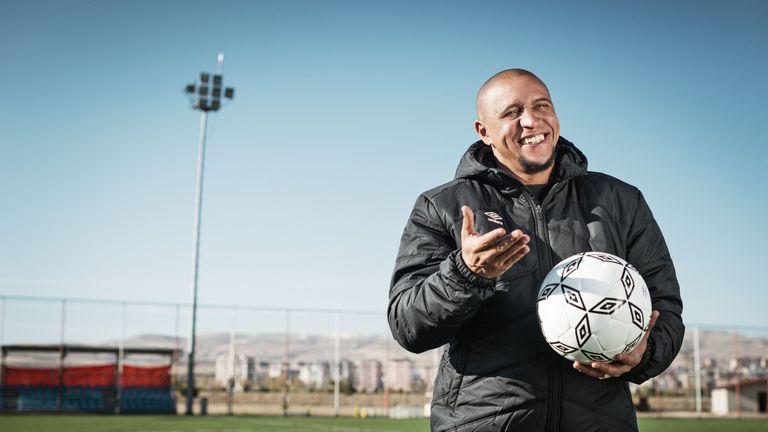 Brazil legend Rpberto Carlos is Delhi's player-manager
