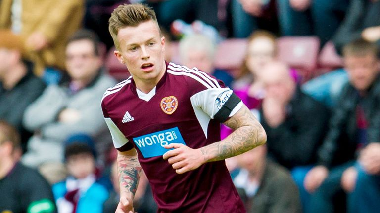 Gary Oliver: Signs new Hearts deal