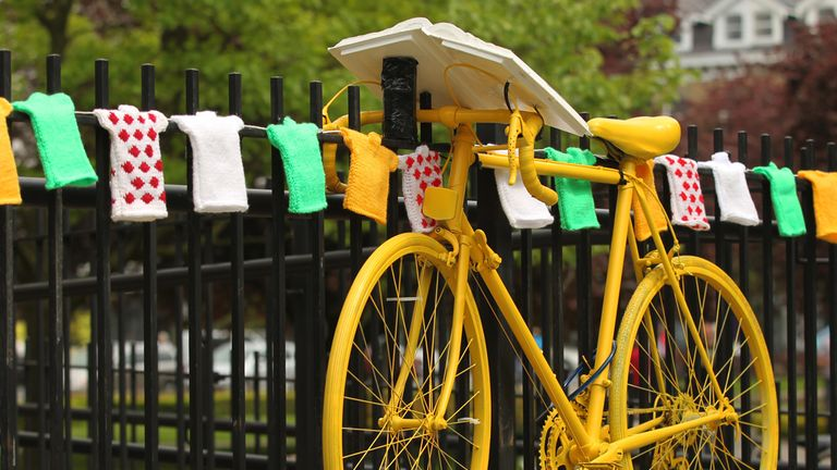 Tour de France: Yellow bikes will guide the way