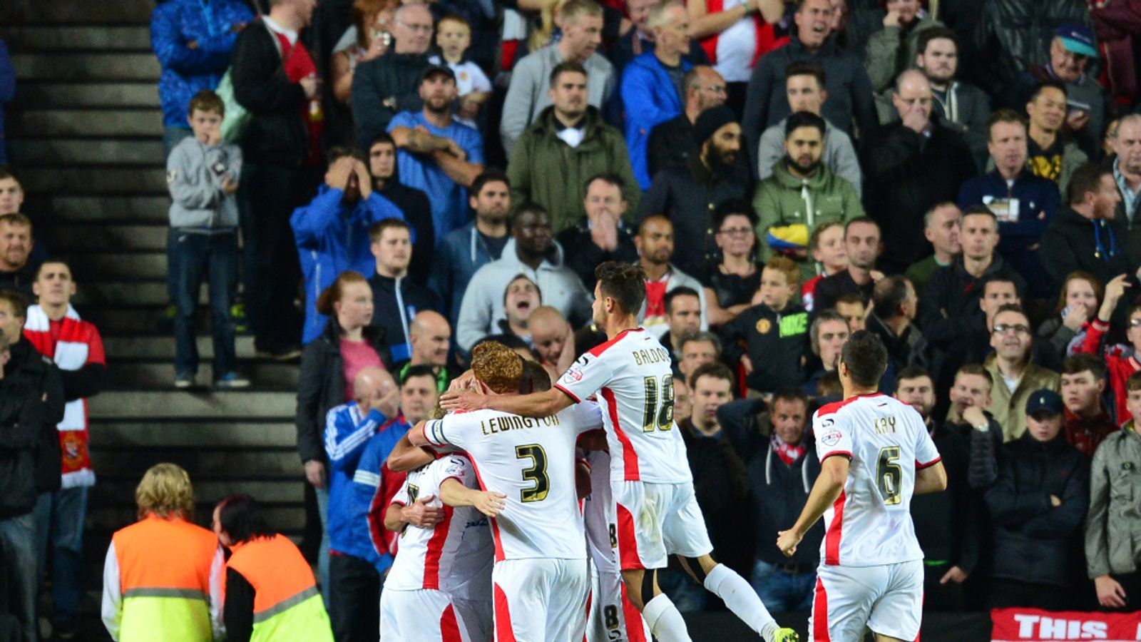 MK Dons 4 - 0 Man Utd - Match Report & Highlights