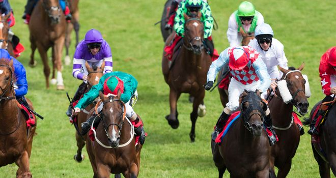 Red Avenger wins under Jimmy Fortune (red and blue diamonds, right of centre)