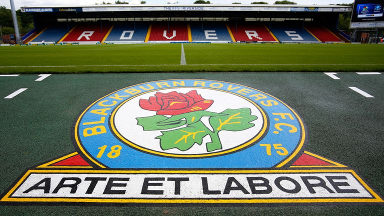 Blackburn have signed Louie Annesley, who has Europa League experience