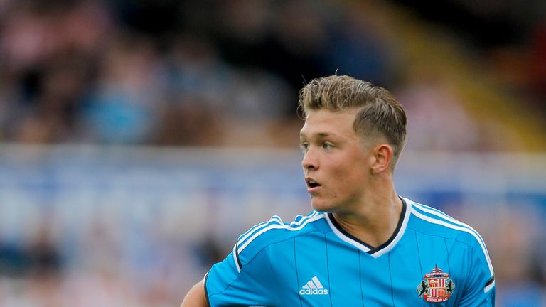Max Clayton: In talks with Wolves after Sunderland move broke down