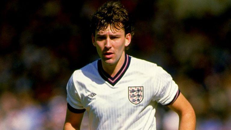 Bryan Robson picks his #One2Eleven