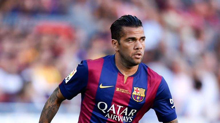 Dani Alves: Could still stay at the Camp Nou