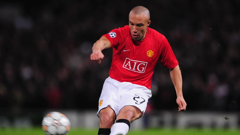 Silvestre expects his former club Manchester United to challenge for the title