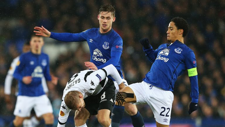 Steven Pienaar, right, and Conor McAleny competed for the ball in midfield