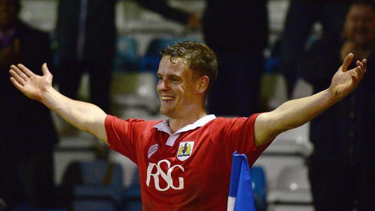Matt Smith: Extends loan deal