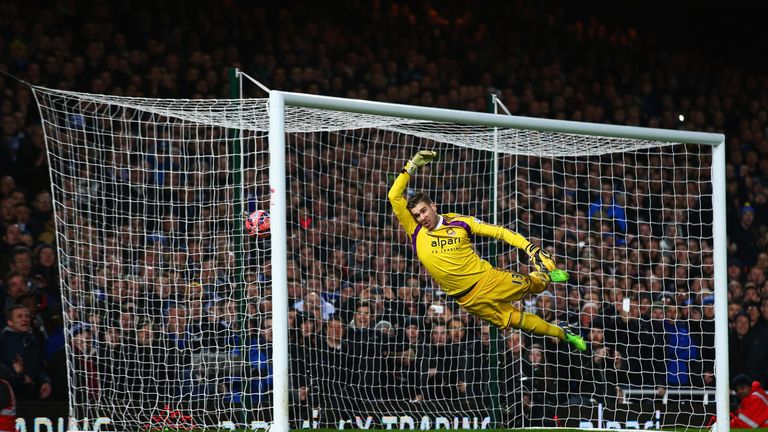 Adrian could not keep out Mirallas' free-kick