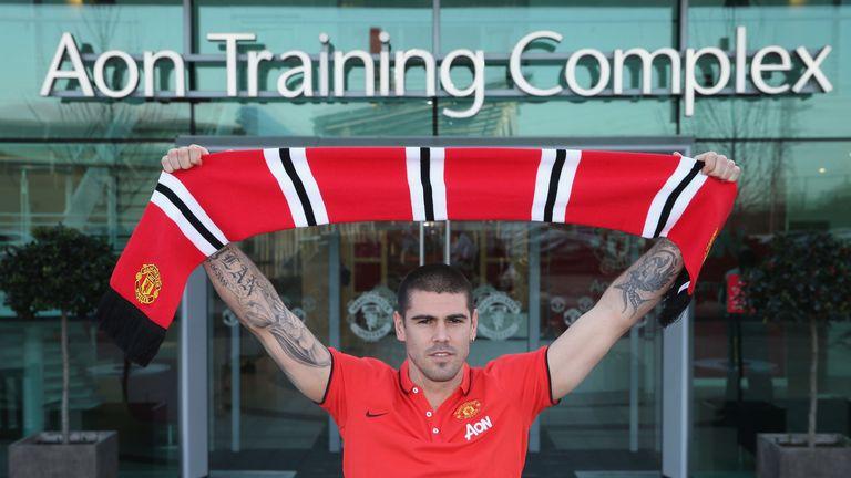 Victor Valdes joined Man Utd