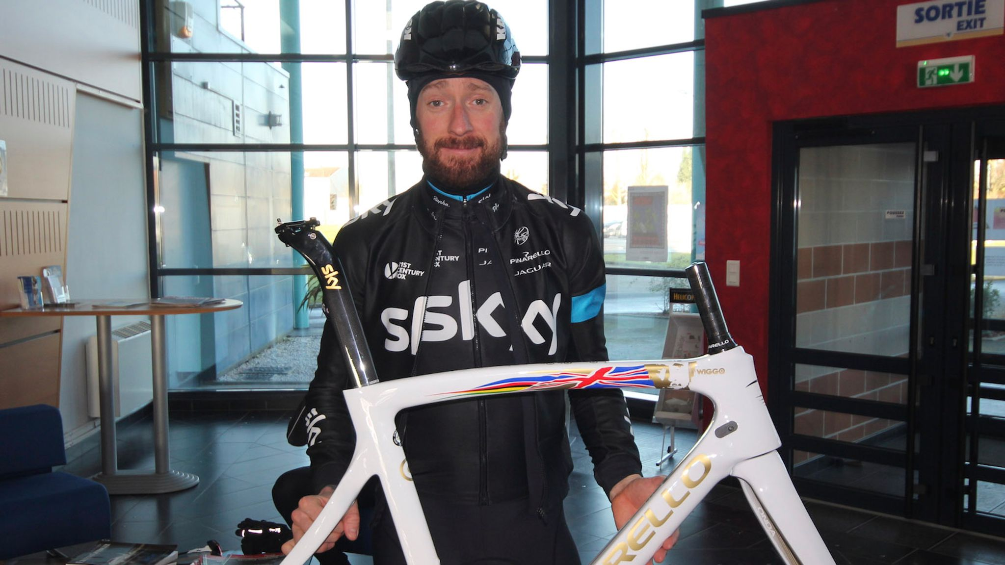 Special Edition Sir Bradley Wiggins Pinarello F8 Frame Launched Cycling News Sky Sports