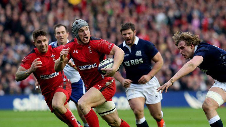 Jonathan Davies: Goes past Richie Gray to score