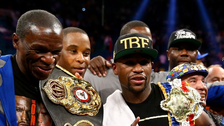 Floyd Mayweather will have his father in his corner when he faces Manny Pacquiao in Las Vegas on May 2