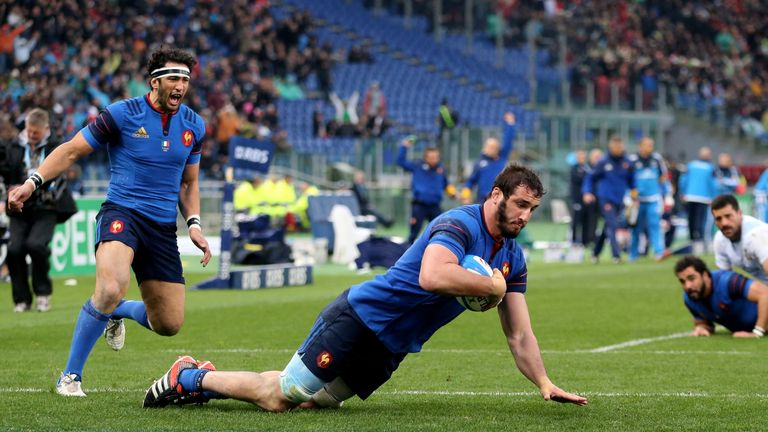 Yoann Maestri scores France's opening try in Rome