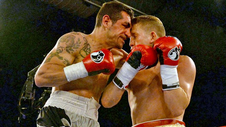Bradley Saunders (R): In action in Hull in his hard-fought win over Stephane Benito
