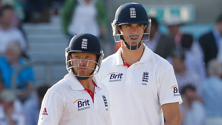 Bell (L) scored 7,727 runs in his 118 Tests for England, including 22 hundreds