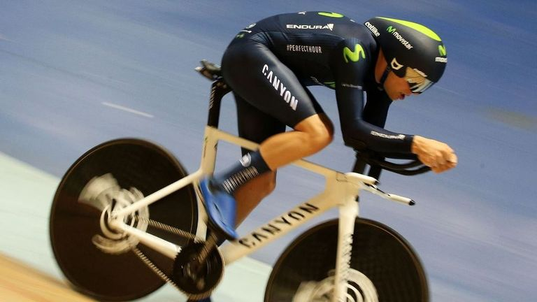 Alex Dowsett broke the existing record by 446m
