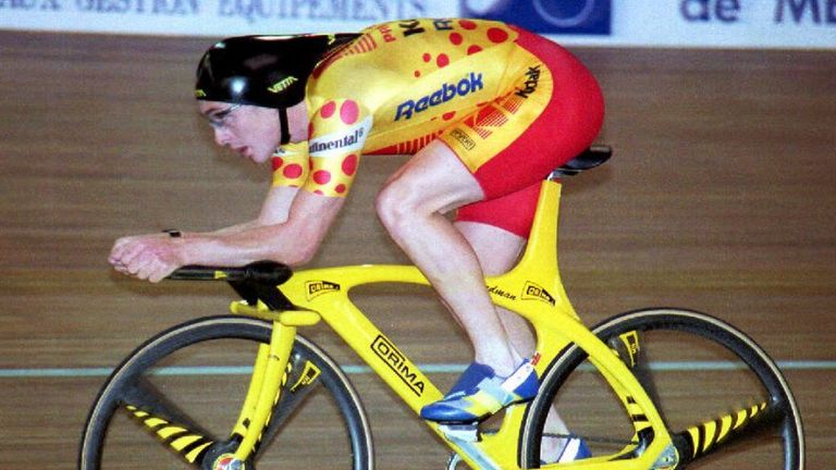 Boardman broke the record for the first of three times in 1993